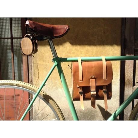 Alforja Morral de cuero y madera Hocico Rosa